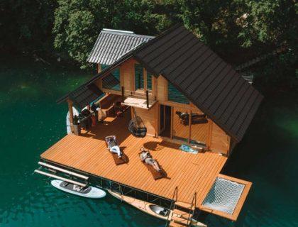 lake ponton house